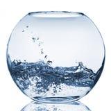 Éclaboussure de l'eau dans l'aquarium en verre Photographie stock libre de droits
