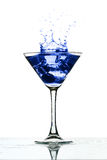 Éclaboussure en verre de Martini photo libre de droits