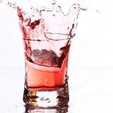éclaboussure rouge de cocktail photos libres de droits