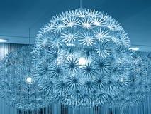 Éclairage bleu de lampe, construction de sphère, photo stock