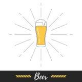 Éclat en verre et de soleil de bière Images libres de droits
