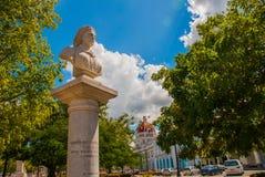 Éclatez le monument dans la place de Jose Marti de parc dans Cienfuegos cuba photos libres de droits