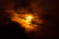 Éclipse solaire partielle en Thaïlande Images stock
