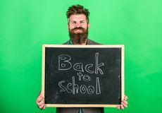 École et concept d'étude La profession de enseignement exige le talent et l'expérience Le professeur souhaite la bienvenue à des  photo stock