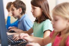 Écolière à la leçon photo libre de droits