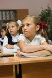 Écolières dans une salle de classe Photo libre de droits