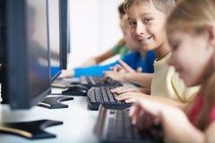Écolier adorable photos libres de droits