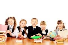 Écoliers Photos libres de droits