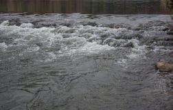 Écoulement de rivière Photo libre de droits