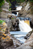 Écoulement du nord de rivière de rivage du Minnesota Photo stock