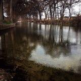 Écoulement gentil de rivière Image libre de droits