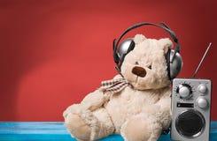 Écoute de musique Photos libres de droits
