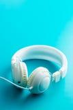 Écouteurs blancs de vintage Images libres de droits