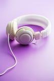 Écouteurs blancs de vintage Photos libres de droits