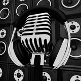Écouteurs microphone et musicien Recording Or En d'exposition de haut-parleurs Photographie stock