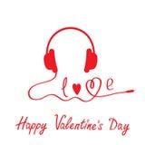Écouteurs rouges.  Fond blanc.  Valentin heureux Photos libres de droits