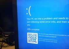 Écran bleu de Microsoft Windows 10 de la mort photos stock