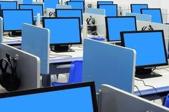 Écran bleu de salle des ordinateurs Photographie stock