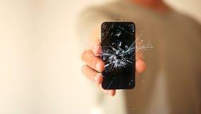 Écran cassé par smartphone mobile moderne et dommages Cr de téléphone portable Photos libres de droits