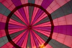 Écran chaud de ballon à air avec des flammes Photographie stock