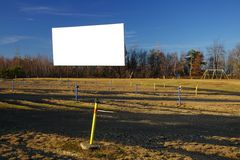 Écran de film blanc de drive-in Photographie stock libre de droits