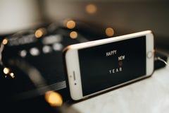 Écran de téléphone portable de nouvelle année images libres de droits