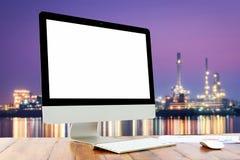Écran vide d'ordinateur portable et de souris avec Photographie stock libre de droits