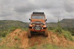 Écrasement Jeep Wrangler Off-Roader beige V8 image stock