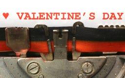 Écrit avec le jour de valentines de machine à écrire en encre rouge Photo libre de droits