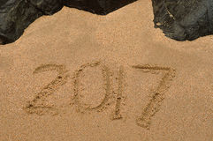 2017 écrit en sable Photo libre de droits