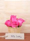 Écriture avec amour sur le papier pour étiquettes brun 1 Photographie stock