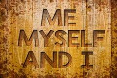 Écriture conceptuelle de main me montrant moi-même et I Photo d'affaires présentant la responsabilité de prise auto-indépendante  Image stock