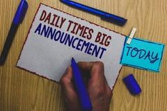 Écriture conceptuelle de main montrant à Daily Times la grande annonce Texte de photo d'affaires intentant des actions rapidement illustration de vecteur