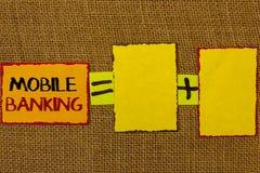 Écriture conceptuelle de main montrant des opérations bancaires mobiles La photo d'affaires présentant la banque virtuelle en lig Photographie stock libre de droits