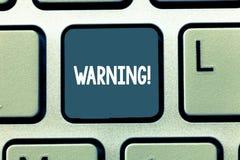 Écriture conceptuelle de main montrant l'avertissement Déclaration ou événement de présentation de photo d'affaires qui avertisse photographie stock