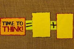 Écriture conceptuelle de main montrant l'heure de penser l'appel de motivation Idées de pensée de présentation de planification d Images libres de droits