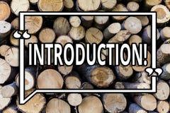Écriture conceptuelle de main montrant l'introduction Pièce de présentation de photo d'affaires première d'une présentation forme photos libres de droits