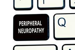 Écriture conceptuelle de main montrant la neuropathie périphérique État des textes de photo d'affaires où système nerveux périphé images stock