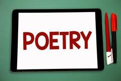 Écriture conceptuelle de main montrant la poésie Photo d'affaires présentant l'expression d'ouvrage littéraire des idées de senti images libres de droits