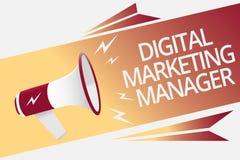 Écriture conceptuelle de main montrant le directeur marketing de Digital Texte de photo d'affaires optimisé pour signaler dans le illustration libre de droits