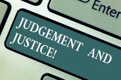 Écriture conceptuelle de main montrant le jugement et la justice Système de présentation de photo d'affaires des lois dans un pay photos libres de droits