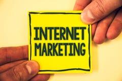 Écriture conceptuelle de main montrant le marketing d'Internet Entrepreneur en ligne Entrepreneurship G de mise en réseau de comm Image stock
