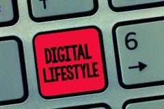 Écriture conceptuelle de main montrant le mode de vie de Digital Texte de photo d'affaires fonctionnant au-dessus du monde d'Inte images stock