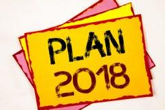 Écriture conceptuelle de main montrant le plan 2018 Buts provocants de présentation d'idées de photo d'affaires pour que la motiv Photographie stock