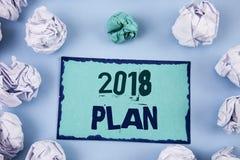 Écriture conceptuelle de main montrant le plan 2018 Buts provocants de présentation d'idées de photo d'affaires pour que la motiv Photo stock