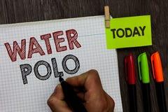 Écriture conceptuelle de main montrant le polo d'eau Le sport collectif concurrentiel des textes de photo d'affaires a joué dans  images libres de droits