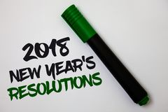 Écriture conceptuelle de main montrant 2018 nouvelles années \ 'résolutions de S Liste des textes de photo d'affaires de buts ou  Photos libres de droits