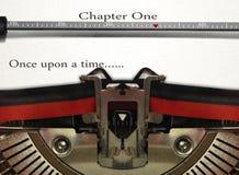 Écriture d'histoire de machine à écrire photo libre de droits
