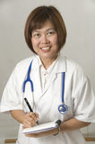 écriture de prescription patiente images stock
