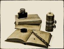 Écriture de style ancien réglée avec une bougie Photo stock
